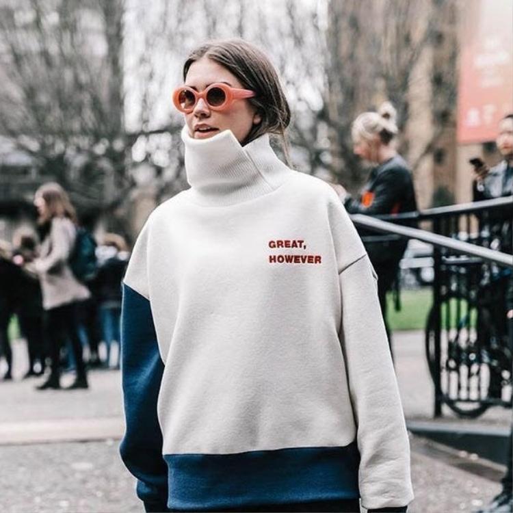 Theo chân cô gái này đến tuần lễ thời trang New York Fashion Week Spring 2017