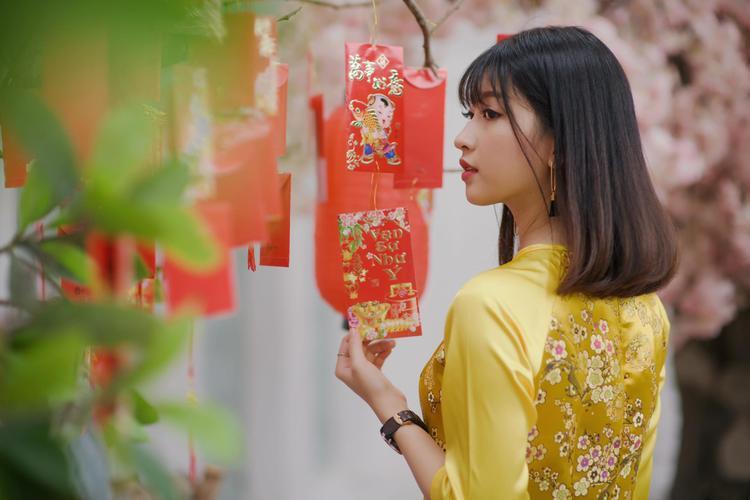 Khuôn mặt tươi trẻ với nét đẹp trong trẻo, Kim Chi tạo được thiện cảm cho người đối diện ngay từ ánh nhìn đầu tiên.