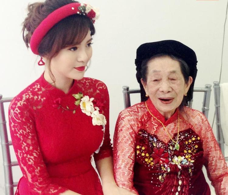 Tất tần tật những hình ảnh ngọt ngào trong đám hỏi hot girl Tú Linh M.U