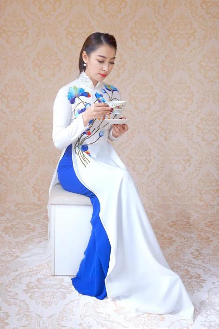 Hình ảnh nhẹ nhàng, nữ tính này của Cao Công Nghĩa sẽ xuất hiện nhiều hơn trong năm 2017.