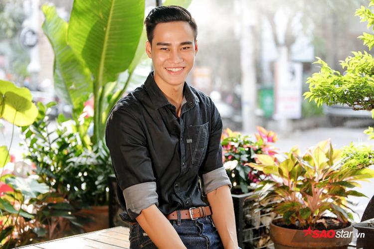 """Nguyễn Hùng Cường, chàng siêu mẫu điển trai khiến 4 HLV """"liêu xiêu"""" trên ghế nóng Thần tượng Bolero."""