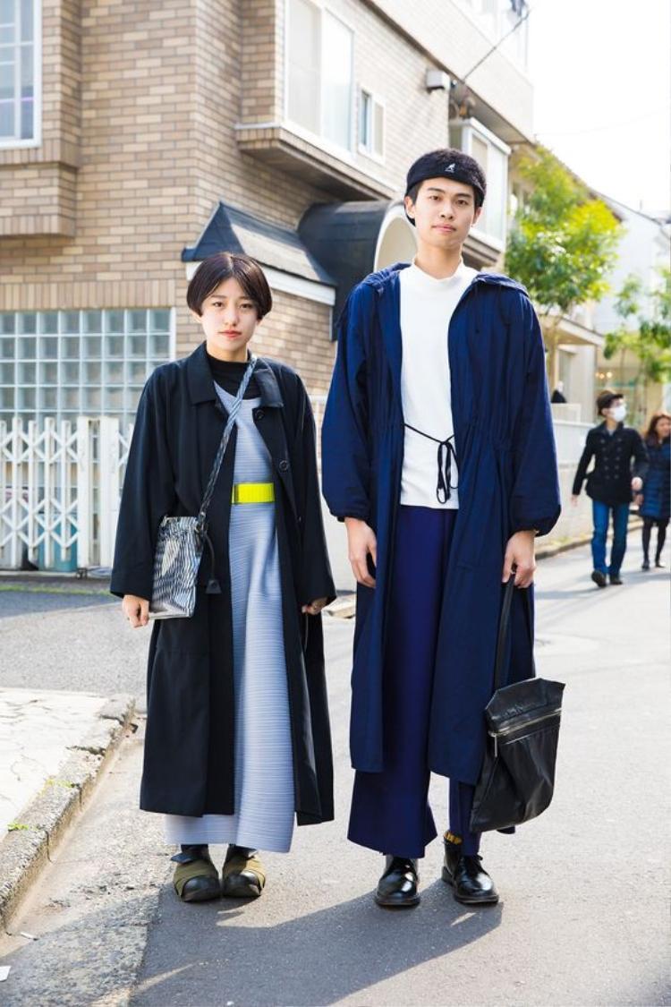 Có vẻ các tín đồ thời trang Nhật Bản rât thích phối layer nhiều lớp? Liệu họ có phải couple? Nhìn khá hợp và đáng yêu