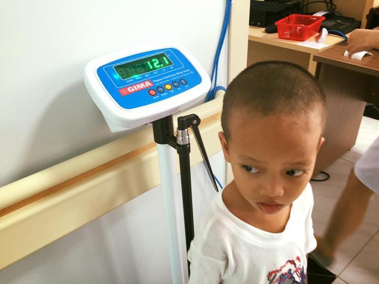 Sau nửa tháng bé Đạt đã tăng được 0,4kg và cao thêm 1,9cm.