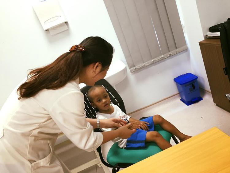 Điều kì diệu sau 14 ngày của em bé ve chai xếp dép cho bạn bè và lòng tử tế của người Sài Gòn