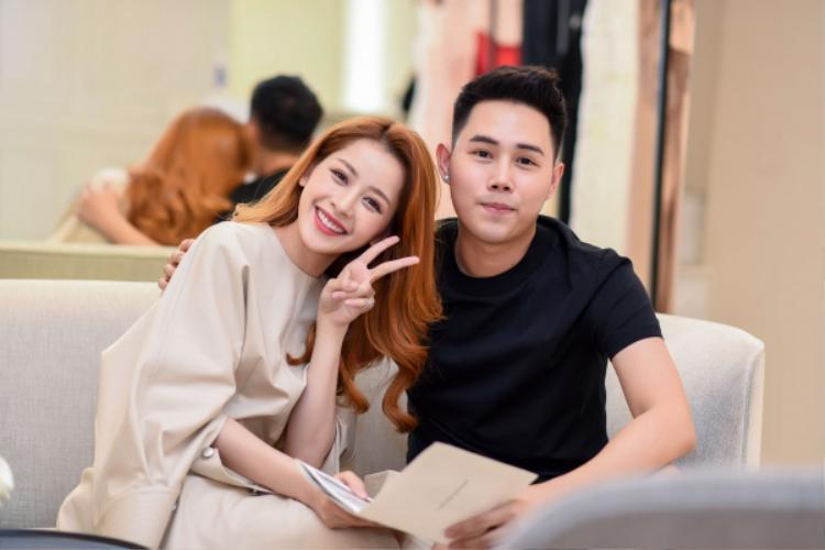 Chi Pu bật mí cô rất yêu thích các thiết kế của nhà thiết kế Lâm Gia Khang, vậy nên tâm trạng đang háo hức chờ đợi ngày tham dự show diễn cá nhân thứ 2 của anh.