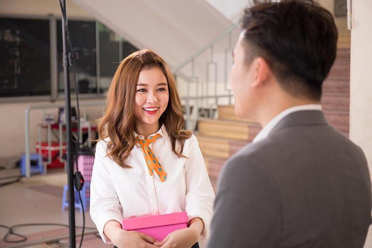 MV dịp Cá tháng tư của Phan Mạnh Quỳnh quy tụ dàn nghệ sĩ đình đám