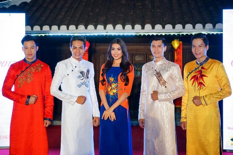 Lệ Hằng luôn nhiệt tình tham gia các hoạt động tại quê nhà Đà Nẵng.