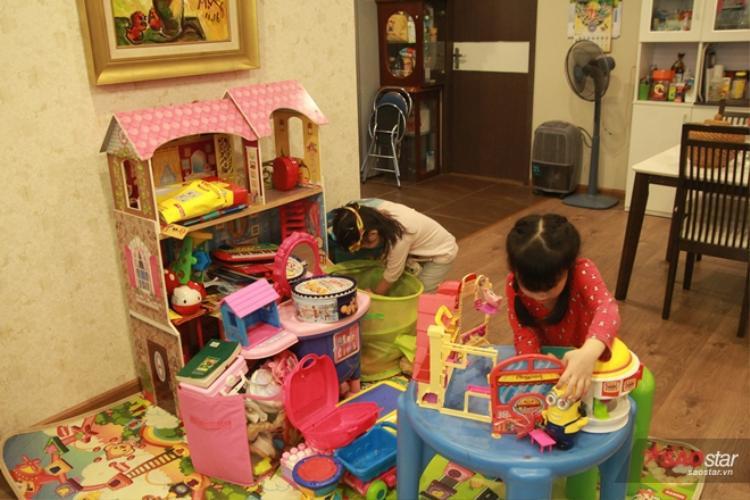 Cũng như các cô bé cậu bé mẫu giáo khác, đây là một góc riêng của 2 chị em Miu - Moon.