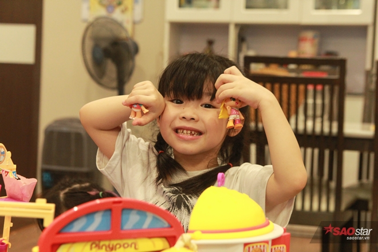 """Cô bé nói tiếng Anh như gió ĐoànNgọc Minh Anh (Miu) được nhiều người biết đến qua chương trình truyền hình """"Biệt tài tí hon""""."""