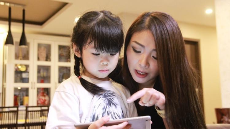Mẹ bé Miu Biệt tài tí hon: Mọi đứa trẻ sinh ra đã là 1 thần đồng ngôn ngữ