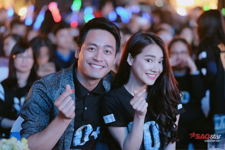 MC Phan Anh và Nhã Phương đều là 2 đại sứ gắn bó với chương trình Giờ Trái đất.