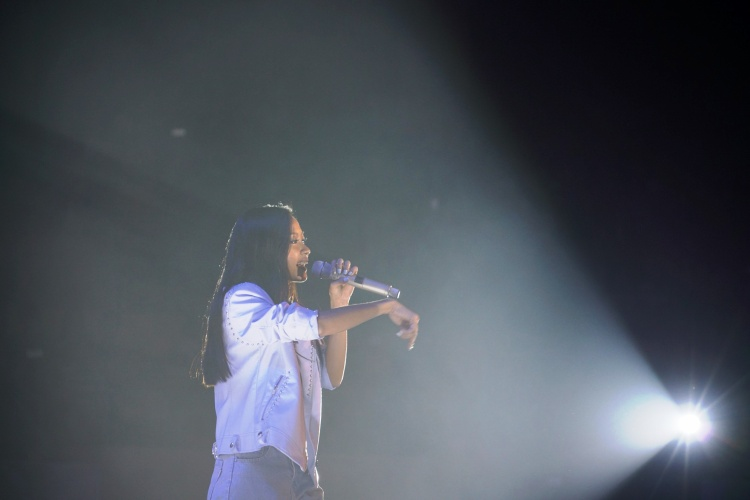 Phạm Anh Khoa và Suboi lần lượt mang tới những ca khúc gắn liền với tên tuổi trong sự kiện.