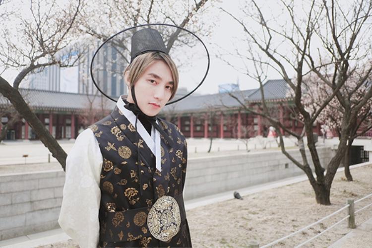 Sơn Tùng M-TP đẹp trai hơn cả mỹ nam Hàn phải không nào?