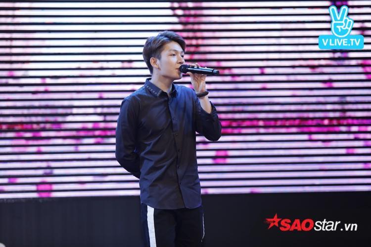 Kelvin Khánh vô cùng điển trai.