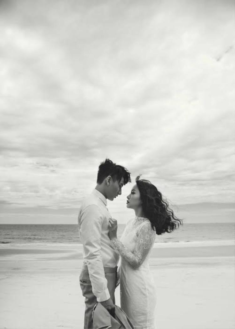 Isaac bất ngờ đốn tim fan bằng bộ ảnh cưới lung linh trên biển