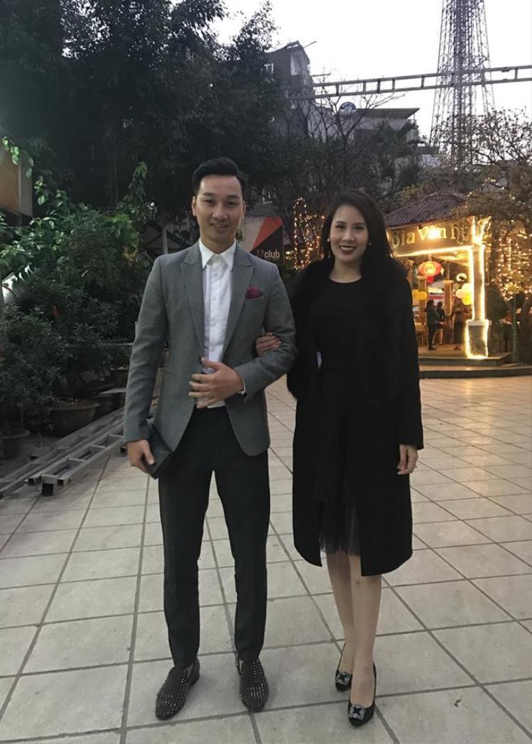Ngay sau khi trở về từ sự kiện ở Vĩnh Phúc, Thành Trung đã tổ chức tiệc sinh nhật cho bà xã Ngọc Hương.