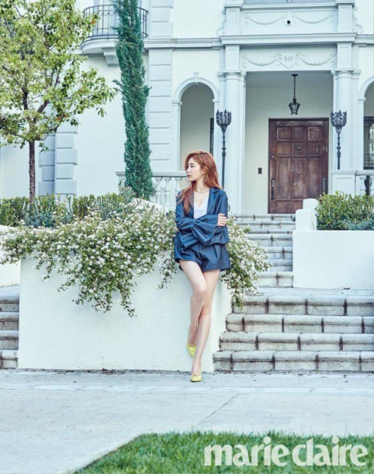 Yoo In Na khoe phong thái sang chảnh và thân hình sexy