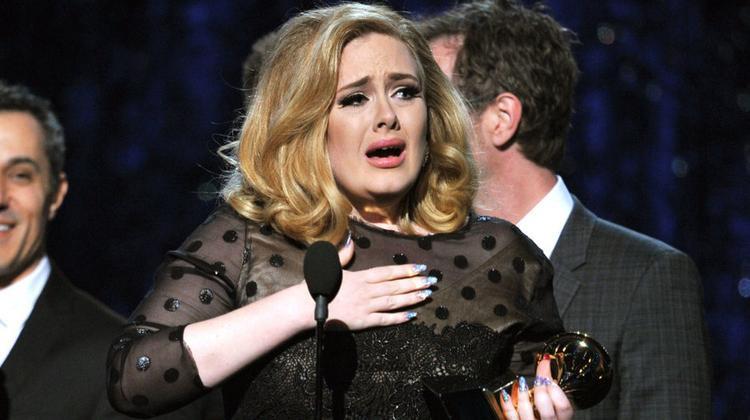 Adele là một trong những ca sĩ hiếm hoi mắc phải hội chứng sợ sân khấu.