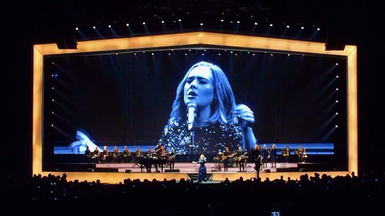 Adele tại concert 25 cuối cùng: Chẳng biết còn bao giờ đi tour nữa không