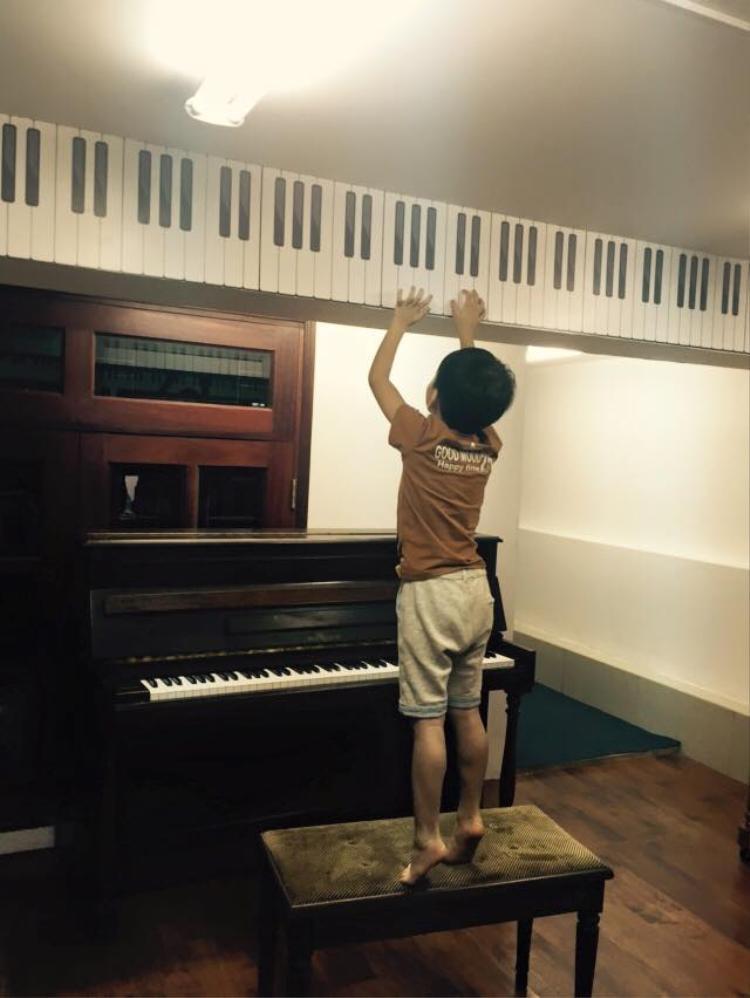 Dù mới 7 tuổi nhưng Subeo đã sớm bộc lộ sự thích thú với nghệ thuật. Nhiều fan mong đợi hoàng tử nhỏ của Hồ Ngọc Hà sẽ sớm theo chân mẹ bước vào showbiz.