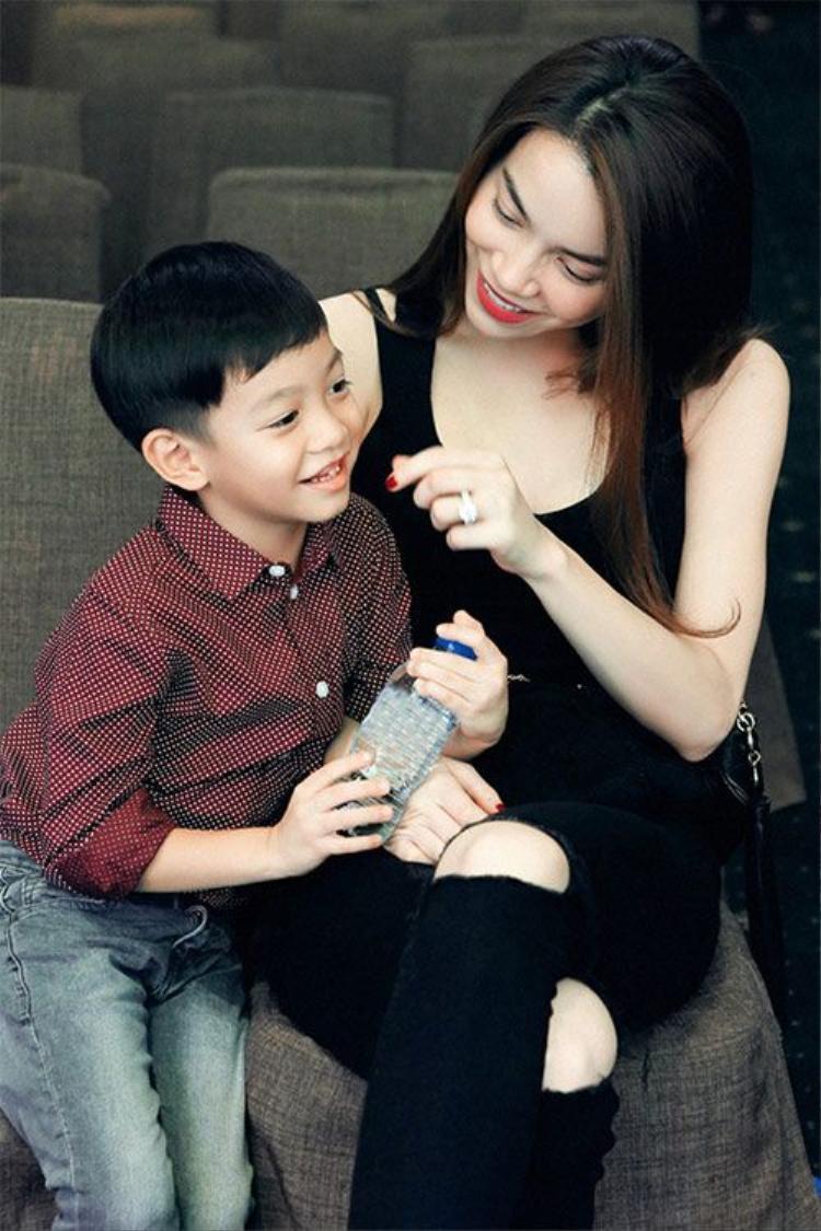 Subeo: Nhóc tỳ tài không đợi tuổi của Vbiz