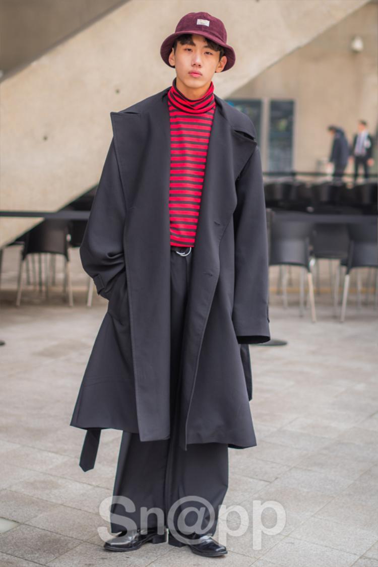 Tông xám mang đậm tinh thần của fashion show Thu - Đông.