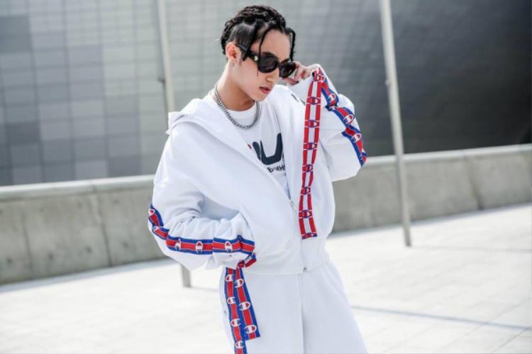 #Day 3: Sơn Tùng chiếm spotlight vì style độc-lạ, khiến nhiều người ngỡ Decao xuất hiện tại Seoul Fashion Week