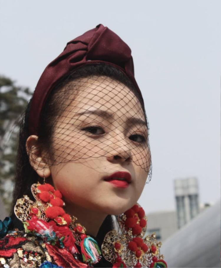 Tam Triều Dâng cực xinh đẹp với lối makeup nhẹ nhàng.