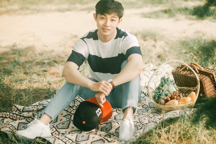 Người yêu Đinh Hương đẹp tựa nam thần Jo In Sung trong bộ ảnh nhìn phát yêu ngay