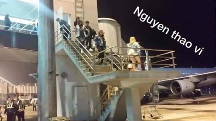 Và các cô gái thực sự đã ra khỏi sân bay bằng cửa nội bộ (Ảnh: Nguyen Thao Vi).