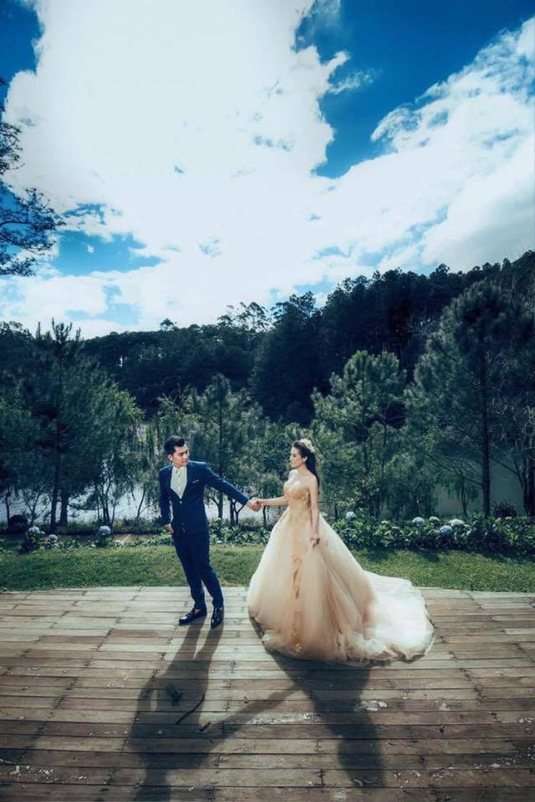 Lâm Khánh Chi chia sẻ ảnh cưới, xác nhận lên xe hoa vào tháng 11
