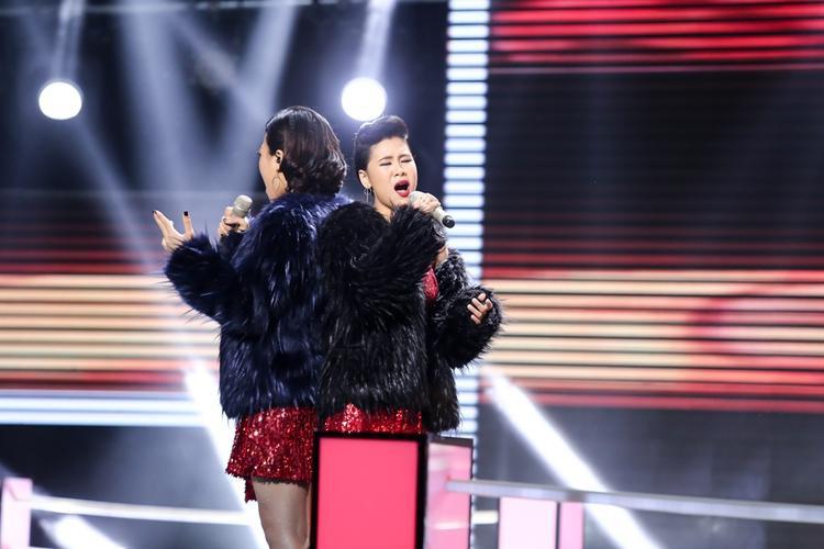 Giọng ca phi giới tính Tùng Anh cùng Hồng Ngọc thổi bay sân khấu The Voice với bản Opera kinh điển