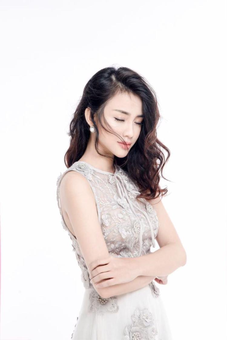 Thiên Nga: Cô nàng đa tài và cuộc chạy đua tăng tốc trong Top 9 The Face Online