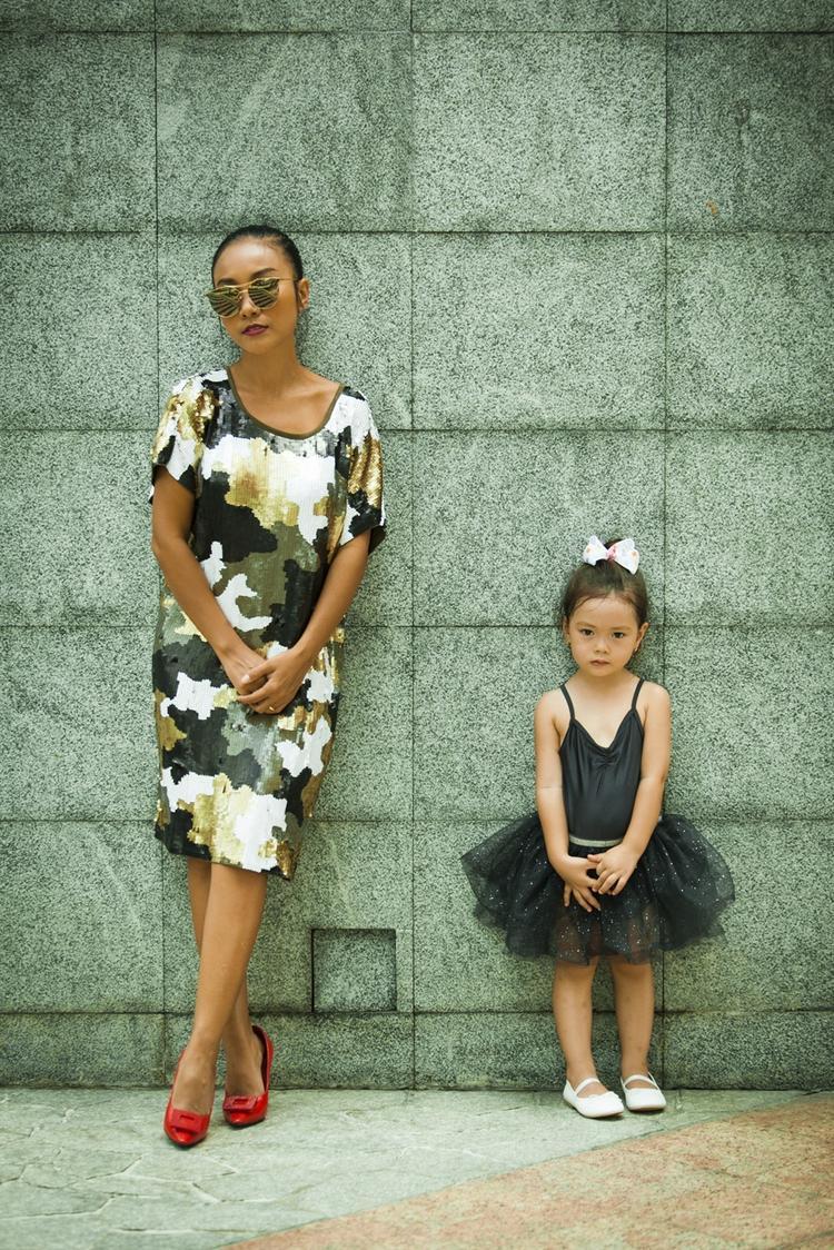 Con gái Đoan Trang lần đầu tham gia MV cùng mẹ