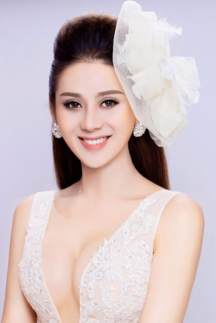 Nữ ca sĩ chuyển giới Lâm Khánh Chi.