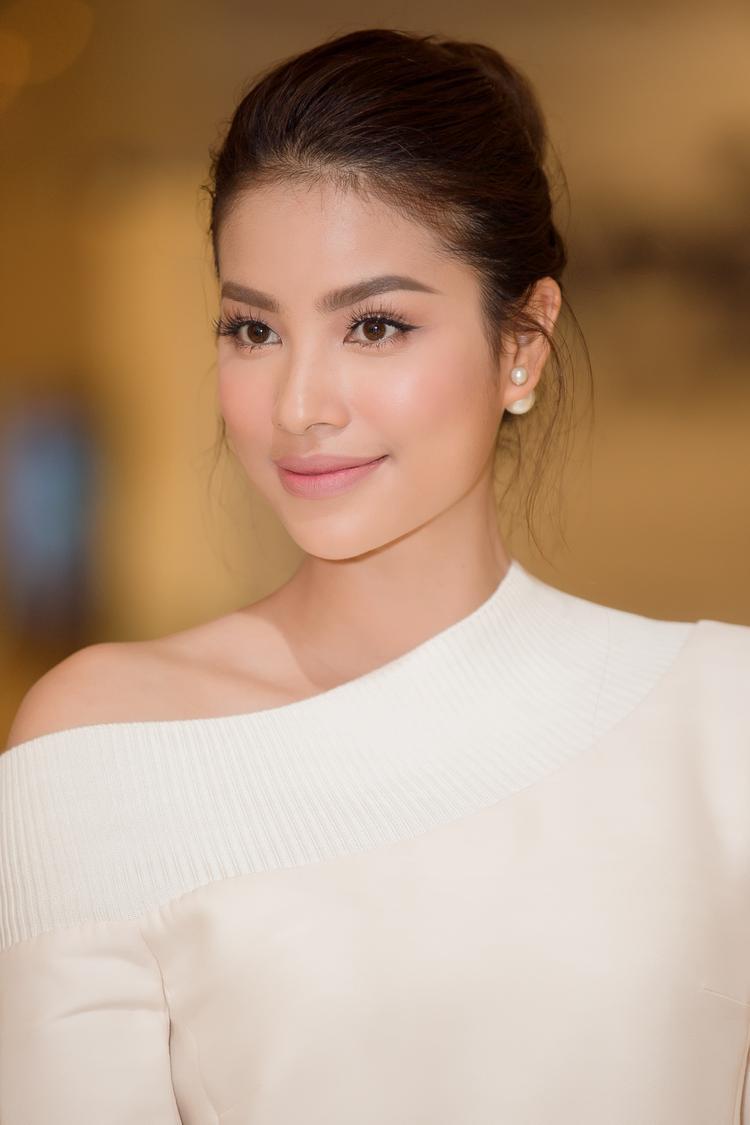 Phạm Hương tiếc nuối vì không thể tham gia The Face Vietnam mùa thứ 2
