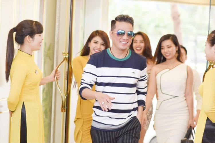 Bị tố chèn ép Phương Thanh, Đàm Vĩnh Hưng đã có phản hồi bá đạo dành cho BTC