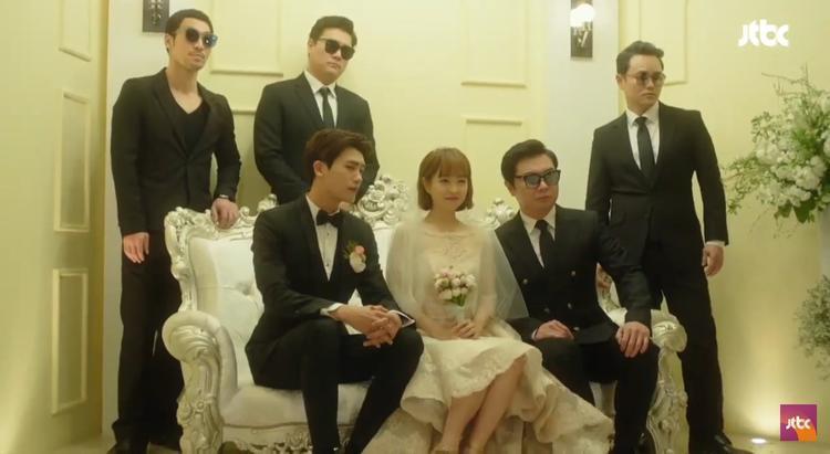 Baek Tak và đàn em cũng có mặt