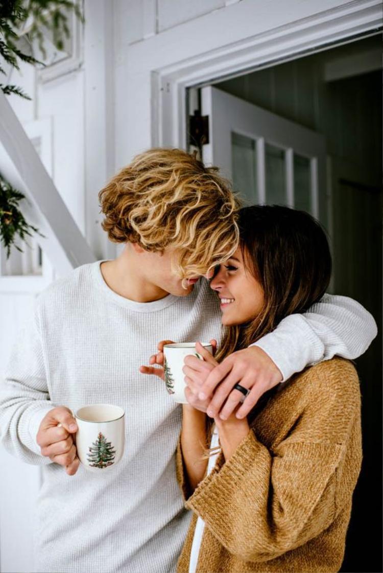 Nếu người ấy không ân cần với bạn như thế này, mà thay vào đó lại xúc phạm bạn, vậy bạn còn ở lại làm gì nữa?
