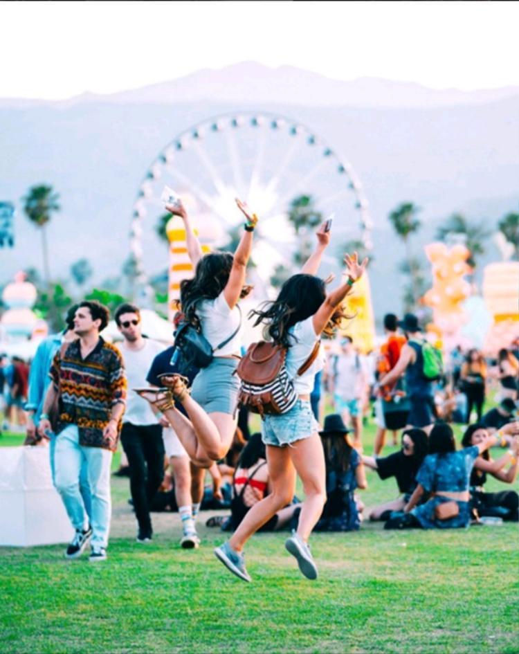 300 máy bay không người lái cất cánh trong lễ hội âm nhạc lớn nhất thế giới Coachella