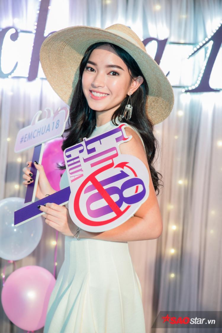 Sau khi rời khỏi cuộc đua The Face Online, người đẹp Hà thành dành nhiều thời gian hơn cho các dự án nghệ thuật khác.