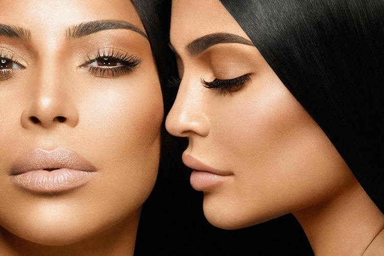 Sau phi vụkết hợp vang dội cùng Khloé Kardashian, có vẻ Kylie là cô gái may mắn khi chính Kim cũng tham gia.