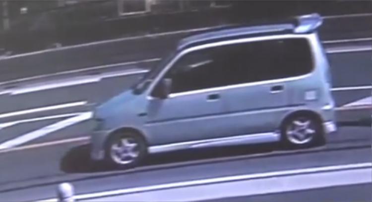 Chiếc xe xuất hiện tại các cung đường đi đến hiện trường vụ án, đây là một trong hai xe hơi thuộc quyền sở hữu của nghi phạm Shibuya Yasumasa.