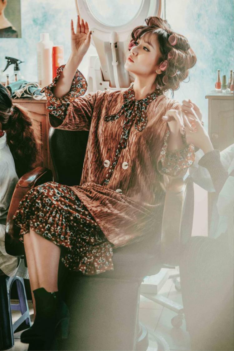 Những trang phục với họa tiết vintage luôn là một trong những sự lựa chọn hàng đầu của cô nàng Bích Phương.