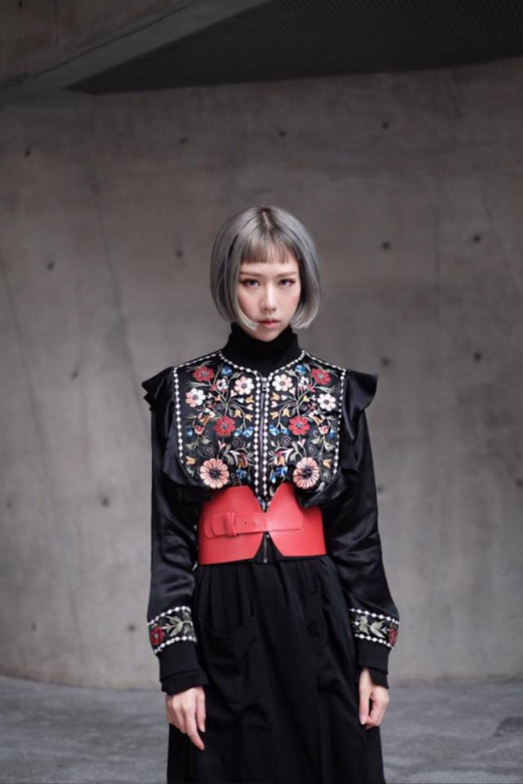 Min cũng là một trong những cô nàng thành công trong âm nhạc lẫn thời trang.