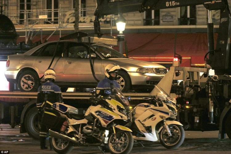 Xe Audi màu xám thuộc sở hữu của Karim.