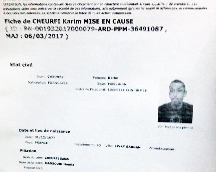 Hồ sơ của Karim Cheurfi trong lưu trữ của cảnh sát Paris.