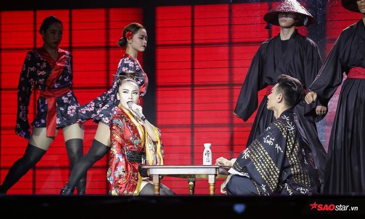 Yến Trang luôn có những khoảnh khắc biểu đạt cảm xúc đúng tinh thần trong bài hát