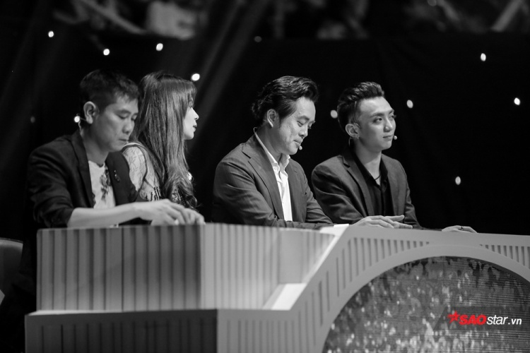 Soobin Hoàng Sơn đảm nhận vai trò giám khảo khách mời tại đêm Chung kết 1