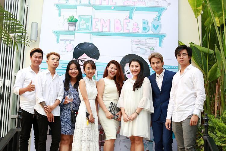 B Trần  Mlee cực ngầu chúc mừng gia đình nhỏ của nhà văn Gào
